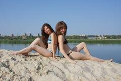 Dos muchachas hermosas jovenes Fotografía de archivo