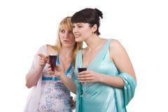 Dos muchachas que hablan Imagen de archivo