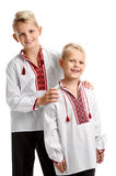 Dos muchachos felices en vyshyvanka Fotos de archivo libres de regalías