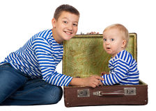 Dos muchachos hermosos aislados Foto de archivo libre de regalías