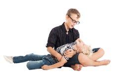 Dos muchachos que se sientan en piso Fotos de archivo libres de regalías