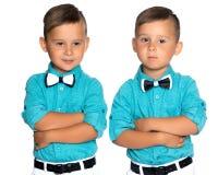 Dos muchachos tristes de los géminis Fotos de archivo