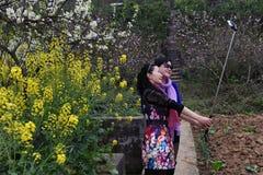Dos mujeres del selfie Fotos de archivo