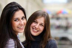 Dos mujeres jovenes Fotos de archivo libres de regalías