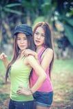 Dos mujeres jovenes de Asia fotografía de archivo