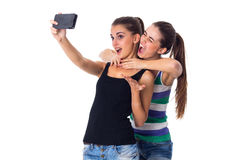 Dos mujeres jovenes que hacen el selfie Fotos de archivo libres de regalías