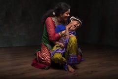 Dos mujeres orientales hermosas Fotos de archivo