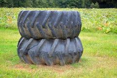 Dos neumáticos del tractor Foto de archivo libre de regalías