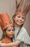 Dos niñas en las alineadas del indio Imagen de archivo libre de regalías