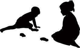 Dos niños que juegan, cuerpo de los niños, vector de la silueta Fotografía de archivo