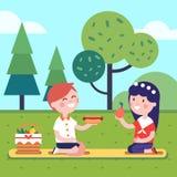 Dos niños que tienen comida campestre del almuerzo en la hierba del parque libre illustration