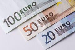 Dos notas euro con la reflexión Fotos de archivo libres de regalías