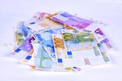 Dos notas euro con la reflexión Foto de archivo