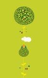 Dos pájaros en un árbol adornado que sostiene el huevo Fotografía de archivo