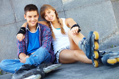 Dos patinadores del rodillo Fotos de archivo libres de regalías