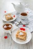 Dos pedazos de empanada de manzana Fotos de archivo libres de regalías