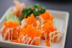 Dos peixes saborosos japoneses da carne do prato do sushi delicioso Salmon a salada Mayonnais da sopa do arroz de Saba do Wasabi  Imagens de Stock Royalty Free