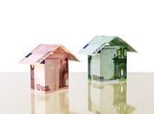 Dos pequeñas casas del euro Foto de archivo