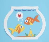 Dos pescados de papel en amor Fotos de archivo libres de regalías