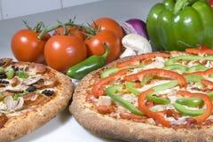 Dos pizzas vegetarianas Fotografía de archivo