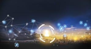Dos povos tocantes dos dados da rede do homem de negócios rede internacional Fotos de Stock Royalty Free