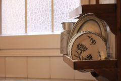 Dos pratos vida velha ainda imagens de stock
