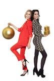 Dos presentes sonrientes de la tenencia de la mujer Feliz Año Nuevo Imagen de archivo