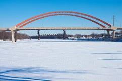 Dos puentes que atraviesan el río en Hastings Fotografía de archivo libre de regalías