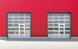 Dos puertas industriales imagenes de archivo