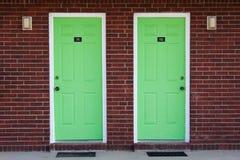 Dos puertas verdes Imágenes de archivo libres de regalías