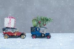 Dos regalos del coche de la Navidad Fotografía de archivo