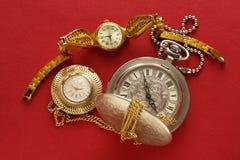 Dos relojes de bolsillo y handwatch Imágenes de archivo libres de regalías