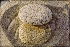 Dos rocas eclipsadas Fotos de archivo libres de regalías