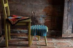 Dos sillas de madera Imagen de archivo libre de regalías