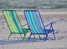 Dos sillas de playa Fotos de archivo libres de regalías