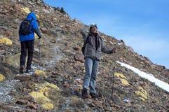 Dos sirve en alta montaña fotografía de archivo libre de regalías