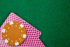 Dos tarjetas con las caras abajo con las virutas Imagen de archivo libre de regalías