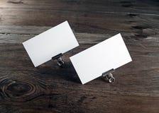 Dos tarjetas de visita en blanco Imagen de archivo