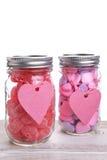 Dos tarros del caramelo de las tarjetas del día de San Valentín Imagen de archivo