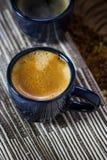 Dos tazas de café azules Foto de archivo libre de regalías