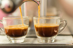 Dos tazas de café caliente Foto de archivo libre de regalías