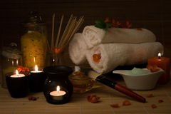 Dos termas vida ainda com flor, velas, toalha fotos de stock royalty free