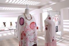 Dos terminan los vestidos batic Fotografía de archivo libre de regalías
