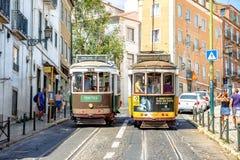 Dos tranvías en Lisboa Imagen de archivo