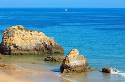 Dos Tres Castelos Прая, Алгарве, Португалия Стоковые Фото