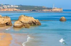 Dos Tres Castelos Прая, Алгарве, Португалия Стоковое Изображение