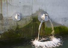 Dos tubos de agua Imágenes de archivo libres de regalías
