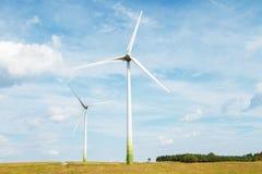 Dos turbinas de viento en Lituania Fotografía de archivo libre de regalías