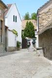 Dos turistas en la calle Imágenes de archivo libres de regalías
