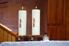Dos velas ardientes Imagen de archivo libre de regalías